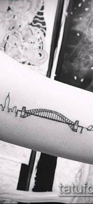 тату минимализм №479 – интересный вариант рисунка, который успешно можно использовать для переработки и нанесения как тату минимализм на пальцах