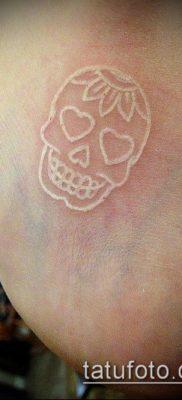 тату минимализм №471 – прикольный вариант рисунка, который легко можно использовать для преобразования и нанесения как тату минимализм на ключице
