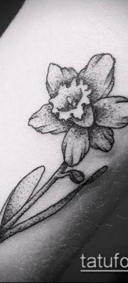 фото тату нарцисс (Narcissus Tattoo) (значение) – пример рисунка – 009 tatufoto.com