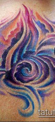 тату облака №960 – прикольный вариант рисунка, который легко можно использовать для переделки и нанесения как тату луна в облаках