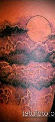 тату облака №370 – прикольный вариант рисунка, который успешно можно использовать для переработки и нанесения как тату облака фон