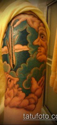 тату облака №698 – интересный вариант рисунка, который легко можно использовать для переработки и нанесения как тату облака и солнце