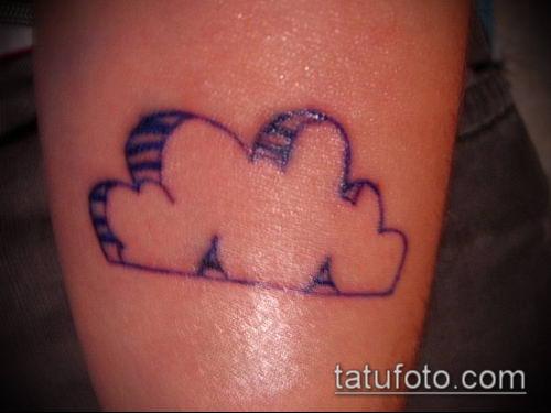 тату облака №461 - эксклюзивный вариант рисунка, который успешно можно использовать для доработки и нанесения как тату облака на плече