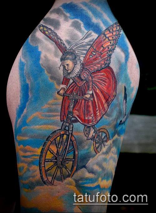 тату облака №336 - крутой вариант рисунка, который хорошо можно использовать для переделки и нанесения как тату облака и звезды