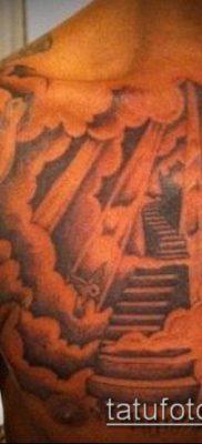 тату облака №753 – интересный вариант рисунка, который успешно можно использовать для преобразования и нанесения как тату луна в облаках
