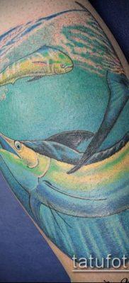 тату океан №990 – прикольный вариант рисунка, который легко можно использовать для переделки и нанесения как тату океан и кит
