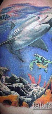 тату океан №457 – интересный вариант рисунка, который легко можно использовать для преобразования и нанесения как тату океан и кит