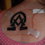 тату омега №766 - классный вариант рисунка, который успешно можно использовать для переработки и нанесения как тату альфа и омега