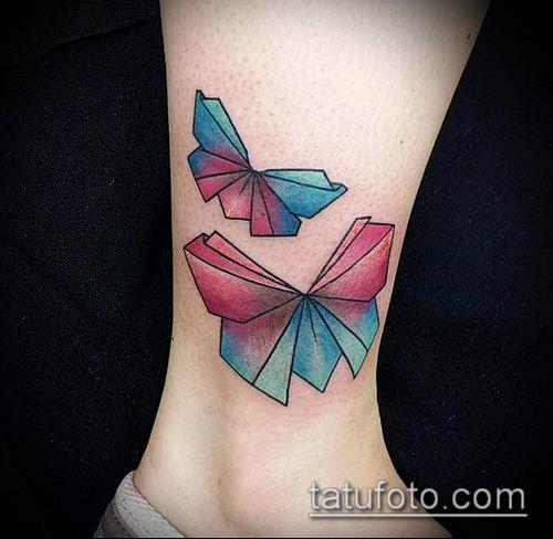 тату оригами №818 - интересный вариант рисунка, который удачно можно использовать для преобразования и нанесения как тату оригами кошка