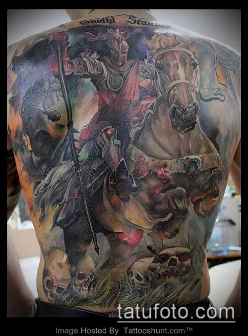 тату рыцарь №666 - достойный вариант рисунка, который легко можно использовать для переделки и нанесения как тату рыцарь голова