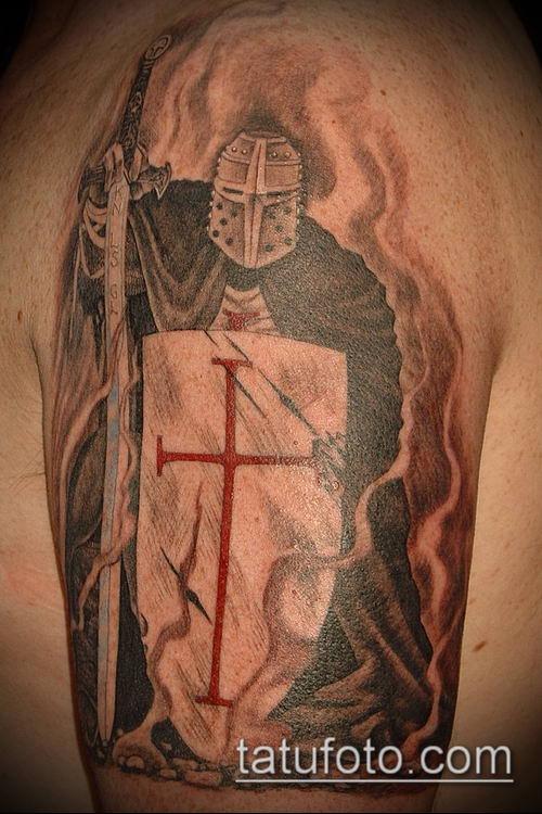 тату рыцарь №221 - достойный вариант рисунка, который успешно можно использовать для переделки и нанесения как тату рыцарь на предплечье