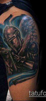 тату рыцарь №155 – крутой вариант рисунка, который удачно можно использовать для доработки и нанесения как тату рыцарь ангел