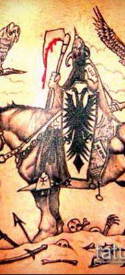 тату рыцарь №887 – прикольный вариант рисунка, который легко можно использовать для переработки и нанесения как тату рыцарь на предплечье