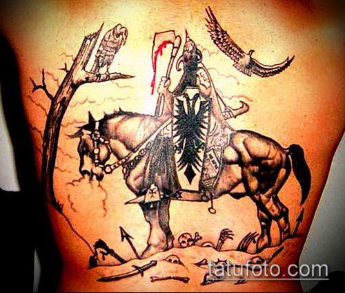 тату рыцарь №887 - прикольный вариант рисунка, который легко можно использовать для переработки и нанесения как тату рыцарь на предплечье
