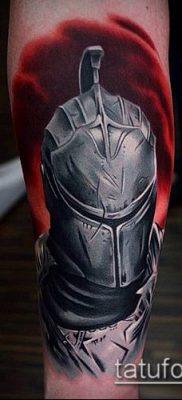 тату рыцарь №15 – крутой вариант рисунка, который хорошо можно использовать для переработки и нанесения как тату рыцарь в доспехах
