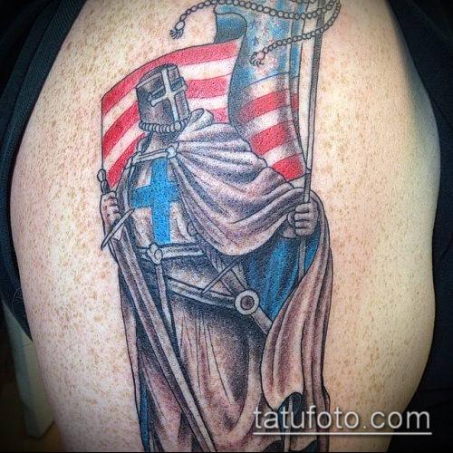 тату рыцарь №812 - интересный вариант рисунка, который хорошо можно использовать для переделки и нанесения как тату рыцарь на колене