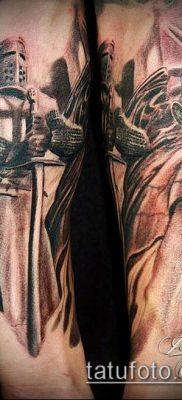 тату рыцарь №627 – интересный вариант рисунка, который удачно можно использовать для переработки и нанесения как Tattoo knight