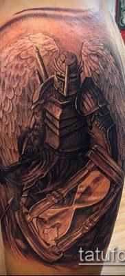 тату рыцарь №612 – крутой вариант рисунка, который хорошо можно использовать для преобразования и нанесения как тату рыцарь самурай