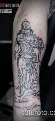тату рыцарь №899 – достойный вариант рисунка, который хорошо можно использовать для переделки и нанесения как тату рыцарь ангел