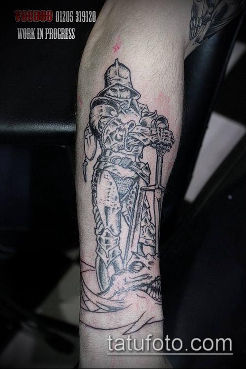 тату рыцарь №899 - достойный вариант рисунка, который хорошо можно использовать для переделки и нанесения как тату рыцарь ангел