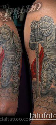 тату рыцарь №750 – достойный вариант рисунка, который хорошо можно использовать для преобразования и нанесения как тату рыцарь на руке