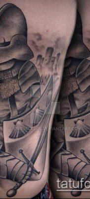 тату рыцарь №901 – крутой вариант рисунка, который легко можно использовать для переработки и нанесения как тату рыцарь ангел