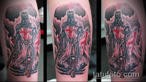 тату рыцарь №613 - эксклюзивный вариант рисунка, который успешно можно использовать для переделки и нанесения как тату рыцарь на ноге