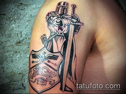 тату рыцарь №282 - уникальный вариант рисунка, который легко можно использовать для доработки и нанесения как тату рыцарь на спине