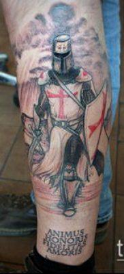 тату рыцарь №501 – интересный вариант рисунка, который успешно можно использовать для переработки и нанесения как тату рыцарь вампир