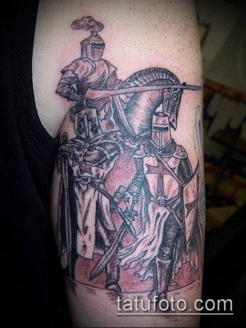 тату рыцарь №738 - крутой вариант рисунка, который легко можно использовать для переделки и нанесения как тату рыцари викинги