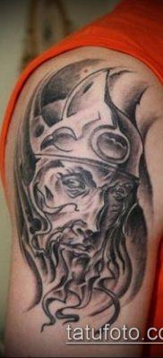 тату рыцарь №409 – классный вариант рисунка, который легко можно использовать для преобразования и нанесения как тату рыцарь с крыльями