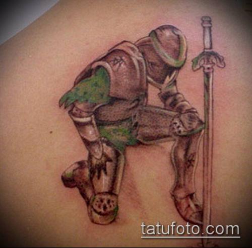 тату рыцарь №897 - уникальный вариант рисунка, который легко можно использовать для переработки и нанесения как тату рыцари викинги