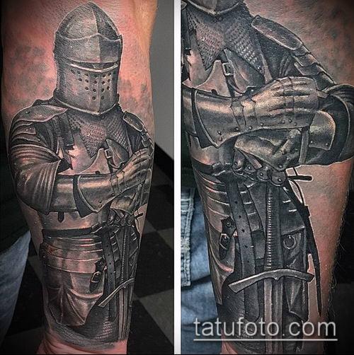 тату рыцарь №691 - прикольный вариант рисунка, который хорошо можно использовать для преобразования и нанесения как тату рыцарь на колене