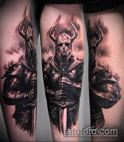 тату рыцарь №114 - классный вариант рисунка, который легко можно использовать для преобразования и нанесения как тату рыцарь плечё