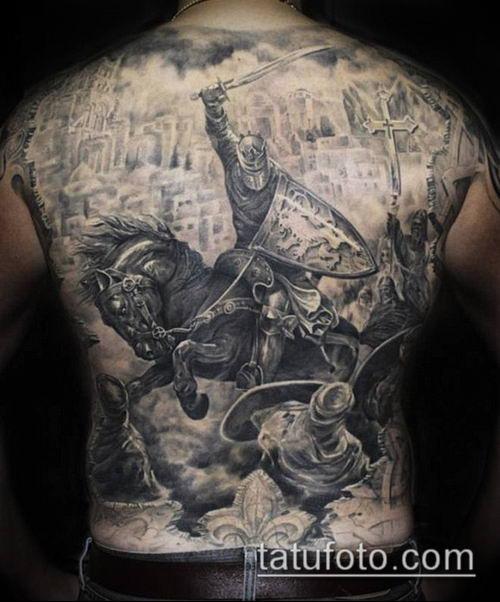 тату рыцарь №695 - достойный вариант рисунка, который легко можно использовать для переделки и нанесения как тату рыцарь реализм