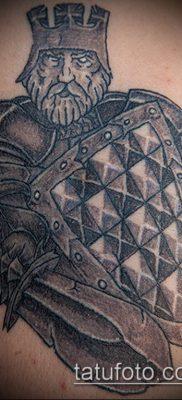 тату рыцарь №891 – достойный вариант рисунка, который легко можно использовать для переработки и нанесения как тату рыцарь с мечом