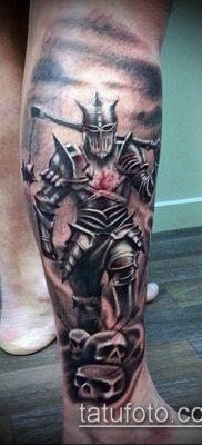 тату рыцарь №128 – достойный вариант рисунка, который легко можно использовать для переделки и нанесения как тату рыцарь в доспехах
