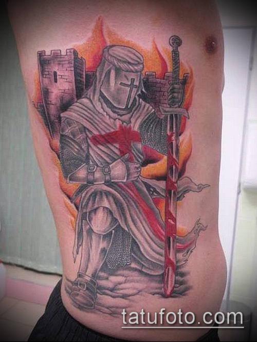 тату рыцарь №96 - интересный вариант рисунка, который хорошо можно использовать для переделки и нанесения как тату рыцарь с мечом