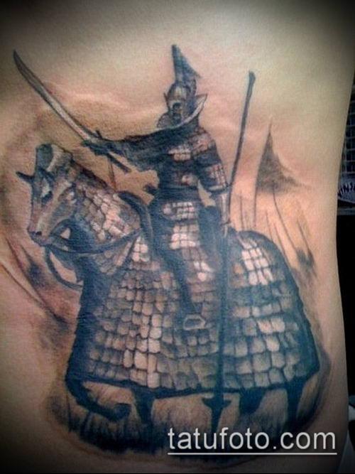 тату рыцарь №83 - эксклюзивный вариант рисунка, который удачно можно использовать для доработки и нанесения как тату рыцарь лицо