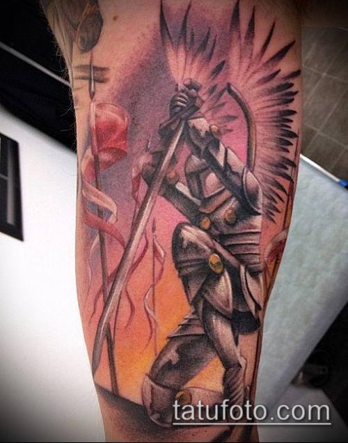 тату рыцарь №298 - эксклюзивный вариант рисунка, который удачно можно использовать для доработки и нанесения как тату рыцарей на ноге