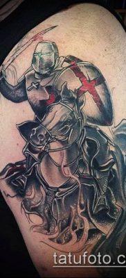 тату рыцарь №821 – эксклюзивный вариант рисунка, который удачно можно использовать для переделки и нанесения как тату рыцарь самурай и викинги и гладиаторы