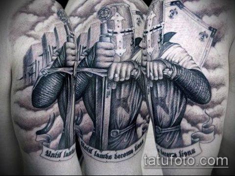 тату рыцарь №232 - достойный вариант рисунка, который хорошо можно использовать для доработки и нанесения как тату рыцарей на ноге