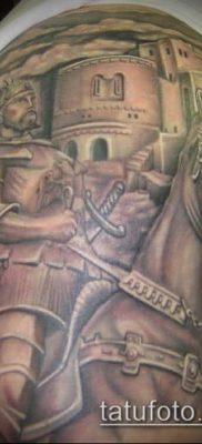 тату рыцарь №460 – интересный вариант рисунка, который хорошо можно использовать для преобразования и нанесения как тату рыцарь с мечом