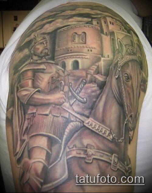 тату рыцарь №460 - интересный вариант рисунка, который хорошо можно использовать для преобразования и нанесения как тату рыцарь с мечом