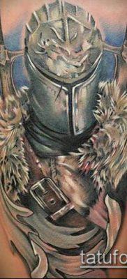 тату рыцарь №218 – крутой вариант рисунка, который удачно можно использовать для переделки и нанесения как тату рыцарь реализм