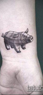 тату свинья №148 – эксклюзивный вариант рисунка, который удачно можно использовать для преобразования и нанесения как тату свинья