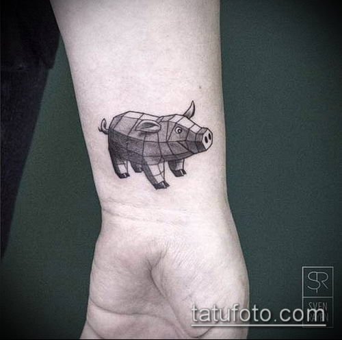 тату свинья №148 - эксклюзивный вариант рисунка, который удачно можно использовать для преобразования и нанесения как тату свинья
