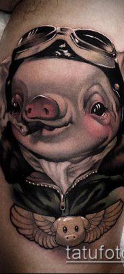тату свинья №94 – интересный вариант рисунка, который легко можно использовать для переделки и нанесения как тату свинья