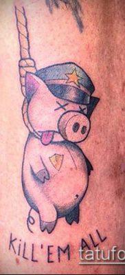 тату свинья №732 – классный вариант рисунка, который легко можно использовать для преобразования и нанесения как тату свинья и петух