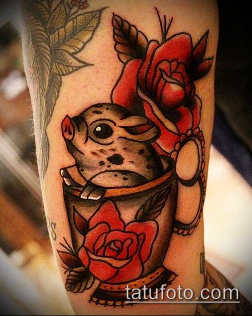 тату свинья №338 - достойный вариант рисунка, который легко можно использовать для преобразования и нанесения как тату кабан и бык